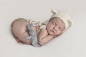 servizi-fotografici-neonati-ancona-osimo-falconara-senigallia-fotografie-newborn-bambini-appena-nati